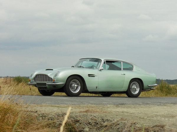 333-Aston-Martin-DB6-1