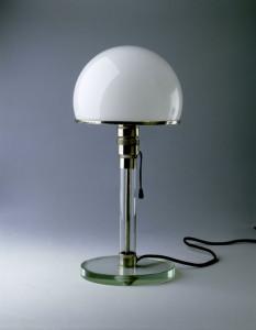 Wilhelm Wagenfeld - Bauhauslampe - 1923-24 - CREDIT_Bauhaus-Archiv - Foto : Gunter-Lepkowski © VG-Bild-Kunst