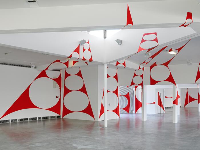"""Varini """"Quatorze triangles percés/penchés"""" © André Morin"""