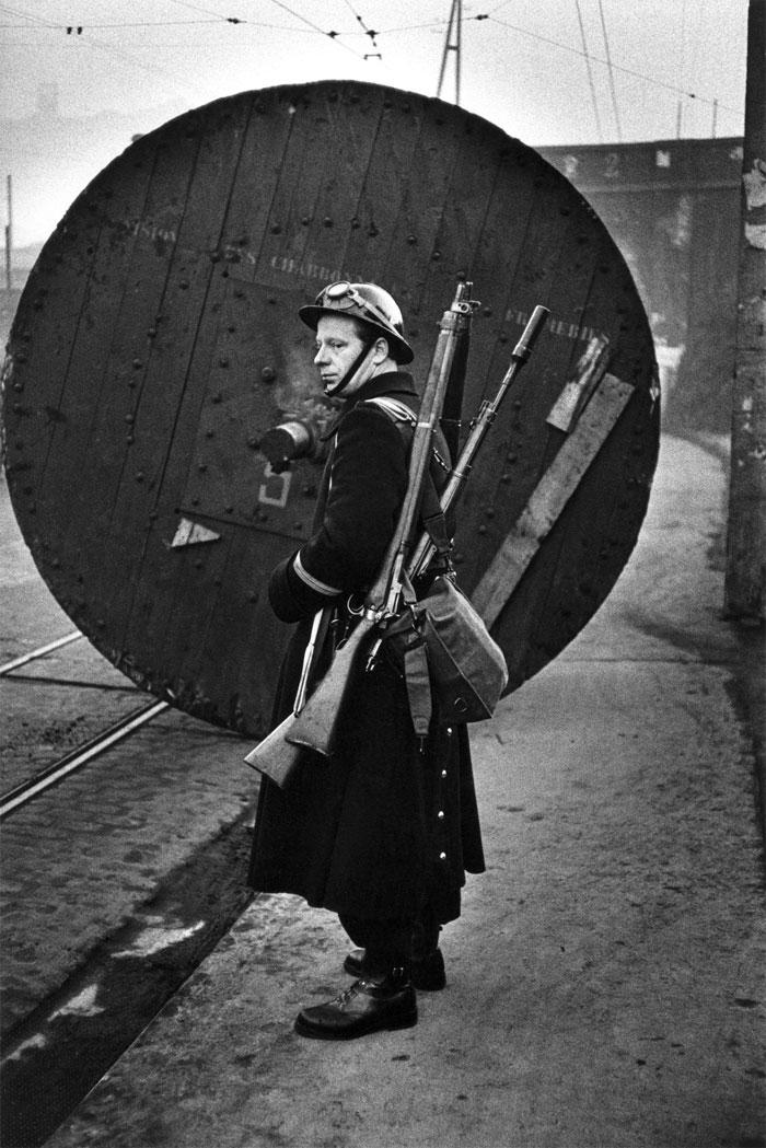 Jeanloup Sieff. Borinage, 1959. © Estate Jeanloup Sieff