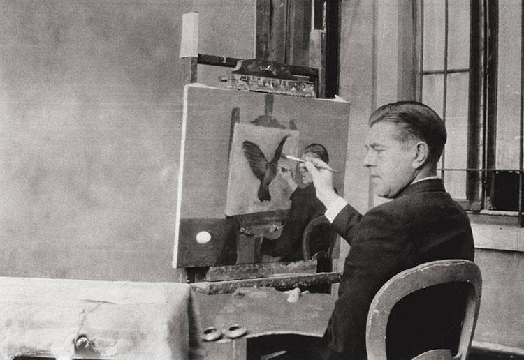 Jacqueline Nonkels (photographe), René Magritte peignant La clairvoyance, Bruxelles, 4 octobre 1936 - © 2019-2020, Charly Herscovici c/o SABAM